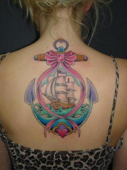 Tatuaje temporal espalda mujer