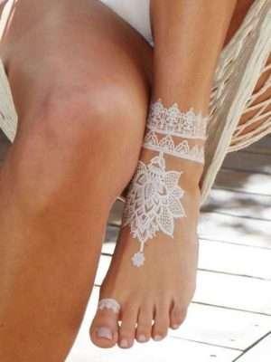 Tatuaje temporal blanco pie